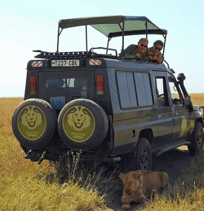 Picture of couple having an amazing african safari